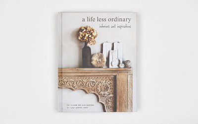 "Книга ""A life less ordinary"""
